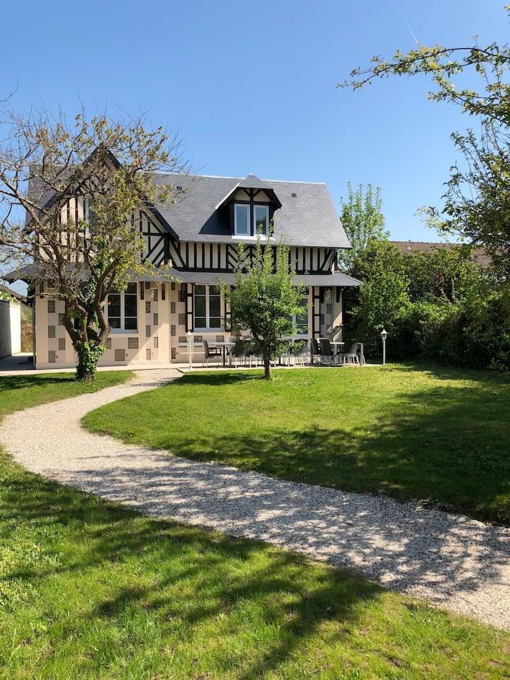 Villa classée 16 couchages de 200m² proche plage