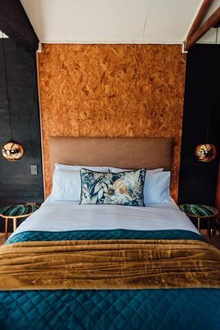 Sabrage Guesthouse & Venue - Hope Room