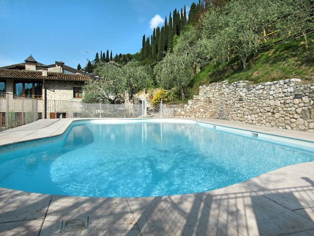 Apartment Borgo Alba Chiara for 7 persons
