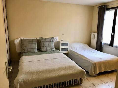 Loue chambre cosy proche de Paris et de Disney :-)