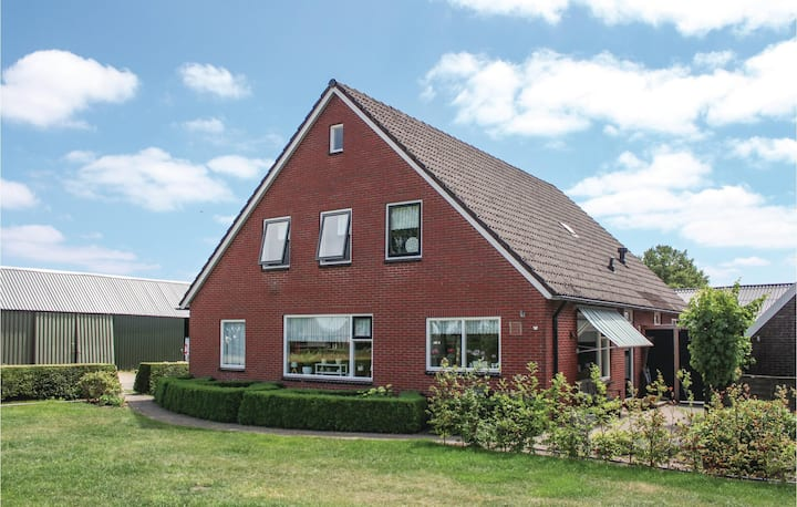 Holiday cottage with 1 bedroom on 70m² in Beerzerveld