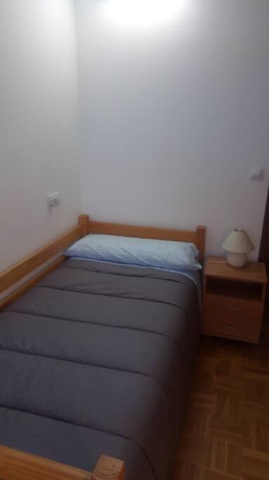 cama de 90 cms.