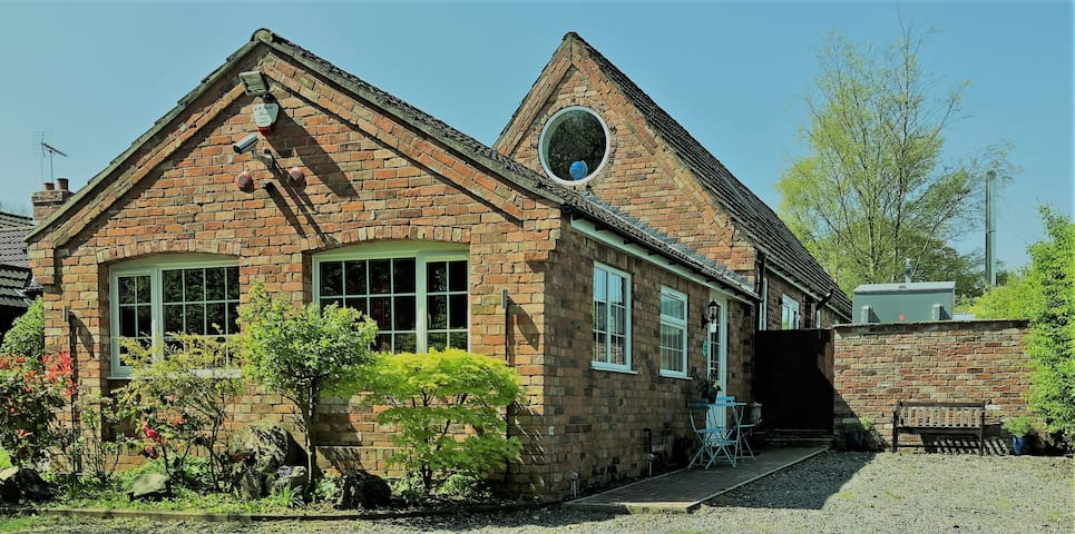 Woldside Cottage- 5mins from Cadwell Race Track