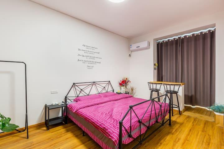 花意空间207·金沙滩鲜花民宿精致大床房