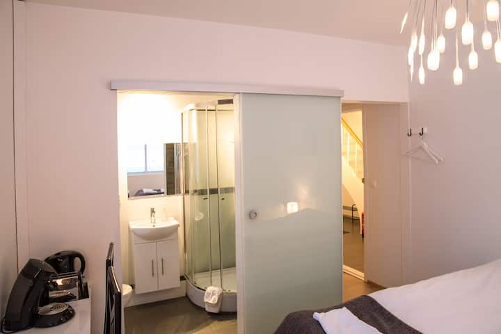 Room with private bathroom for 2 persons.