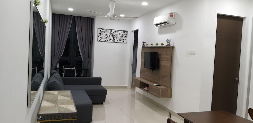 Hanson's Home@H2o Ara Damansara
