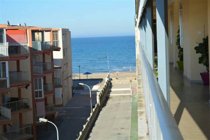 Apartamento junto al mar ideal familias y amigos. - El Perellonet - Appartement