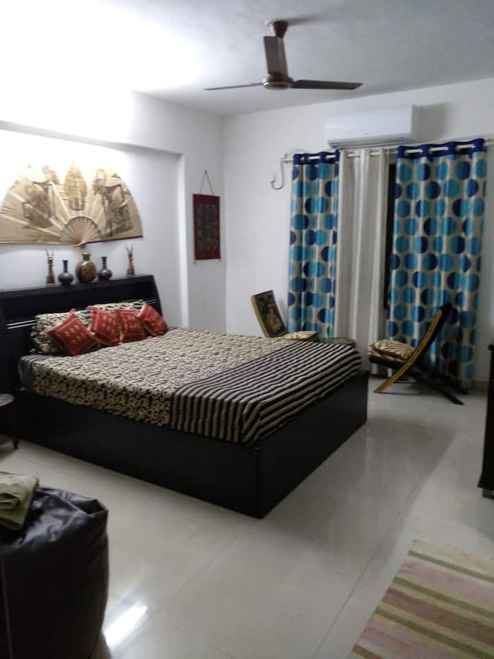 Room 1 - cozy double bed room with attached bath