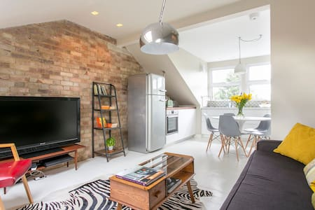 Gorgeous 3BD London Victorian flat - Londyn