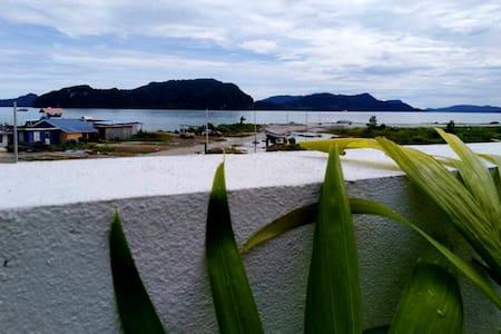 Seabreeze Seaview Villa海景海風别墅(兰卡威)