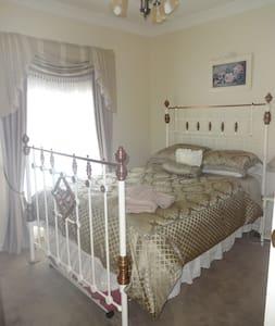 Oatlands House Accommodation - Apartment