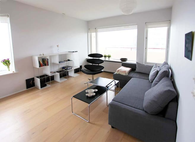Central modern flat with an amazing sea view - Reykjavík - Appartement
