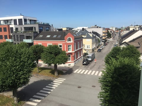Kristiansand Sentrum. Sentral og lys leilighet