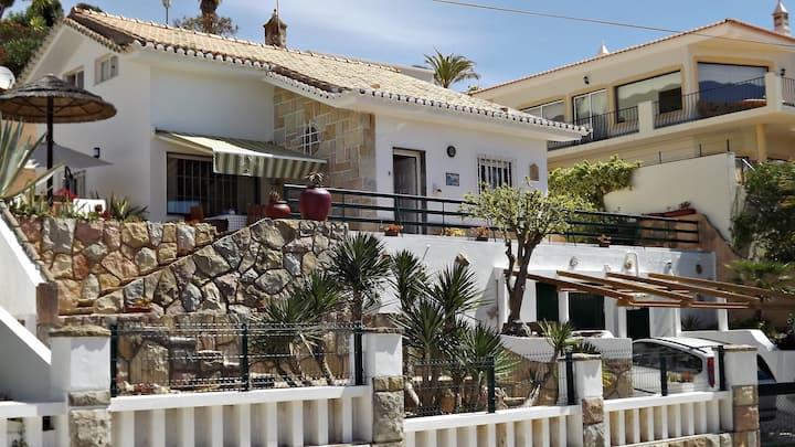 Angrinha Beach House your own  place in the Sun!