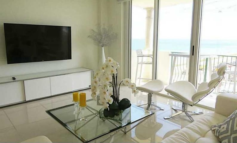 Luxury Apartment on the beach with ocean views! - Surfside