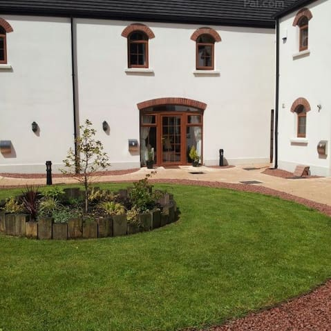 The Courtyard at 5 Gortaclee Court  is gated. - Cushendall - House