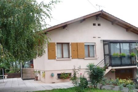 logement tout confort, indépendant au RdC - Haus