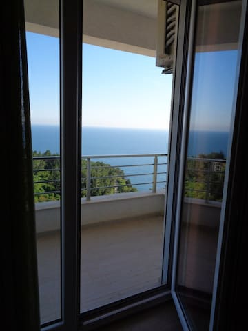 Аpartment with panoramic sea view 'Sapore di Mare' - Ulcinj - Lägenhet
