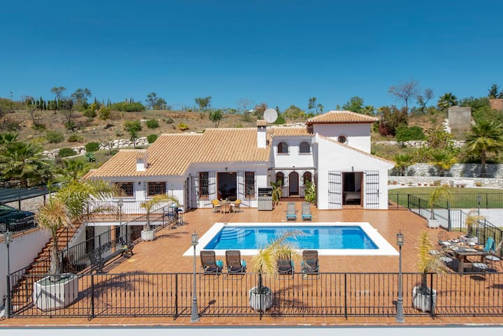 Fabulous Andaluian villa for 10 people with pool
