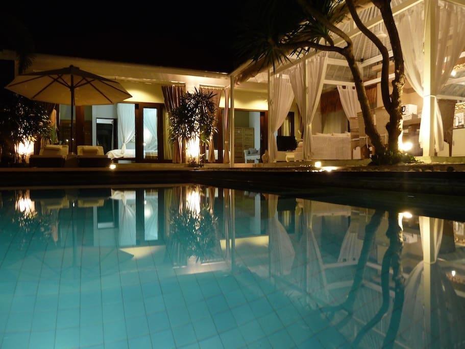 la villa , la nuit