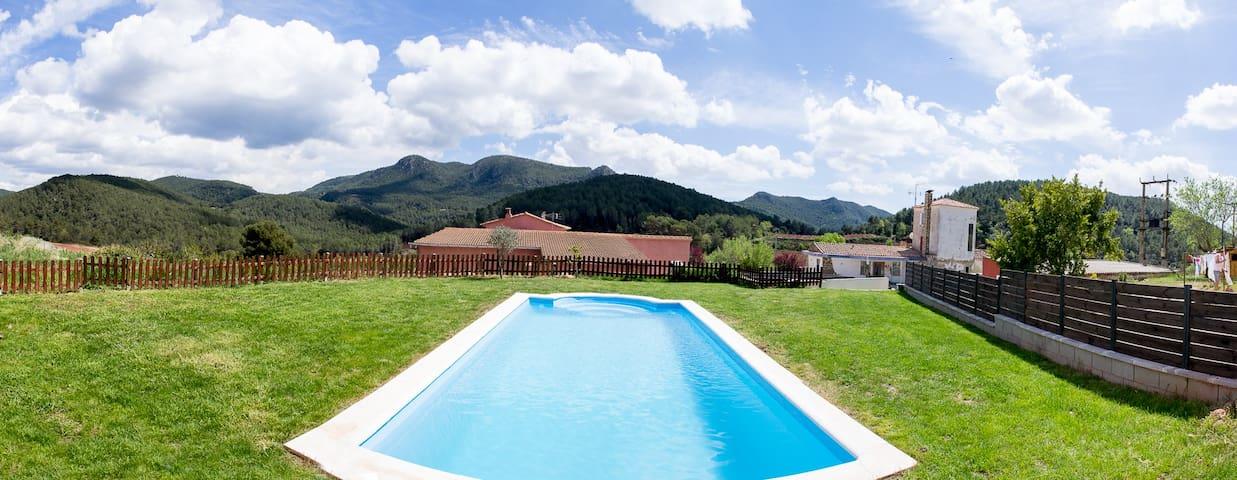 La Casa de les Cireres Casa Rural - Tarragona - House