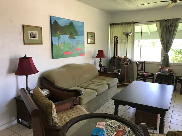 Original local style living by Makaha beach! - Makaha - Bungalow