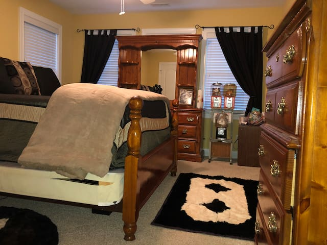Comfortable Romantic King Size bedroom for two