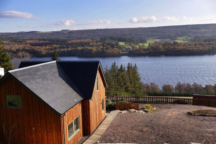 Luxury home overlooking Loch Ness - Highland - Hus