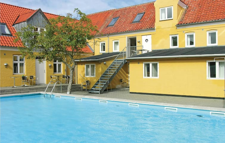 Holiday apartment with 1 bedroom on 60m² in Gudhjem