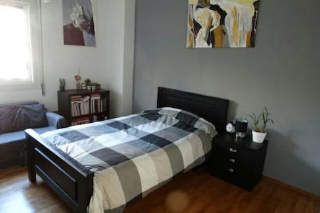 Room in the central area of Athens - Αθήνα