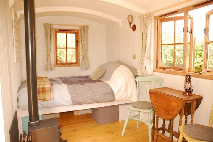 Sindles Farm Shepherd's Huts - Sussex
