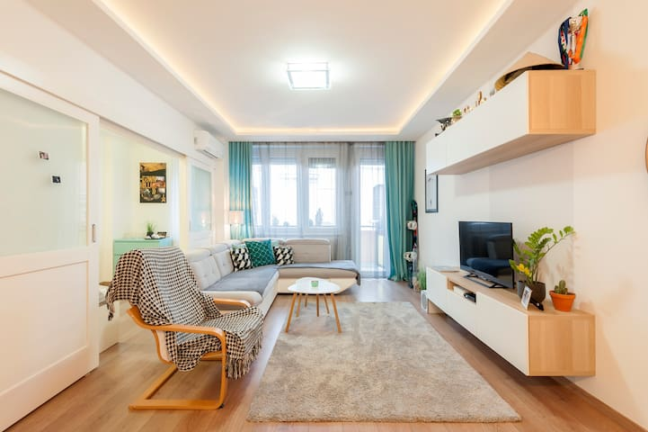 Minimal design flat