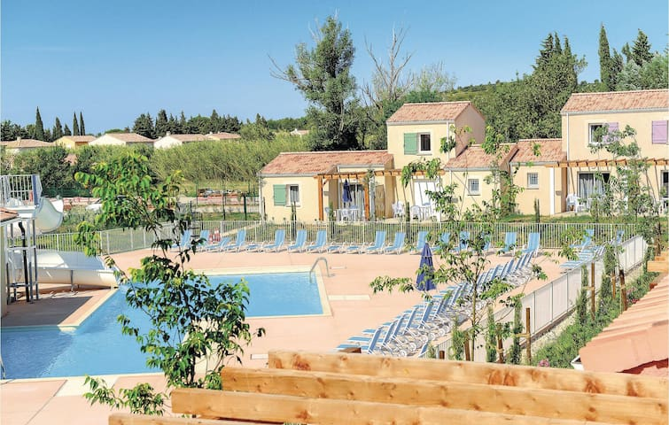 Holiday apartment with 2 bedrooms on 45m² in Le Paradou