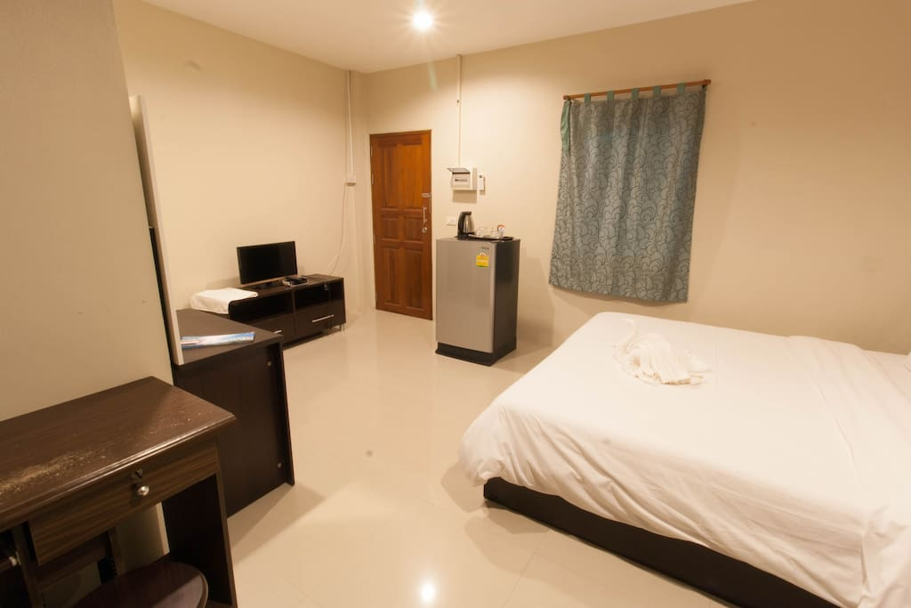 Room in Krabi town with super king size bed.