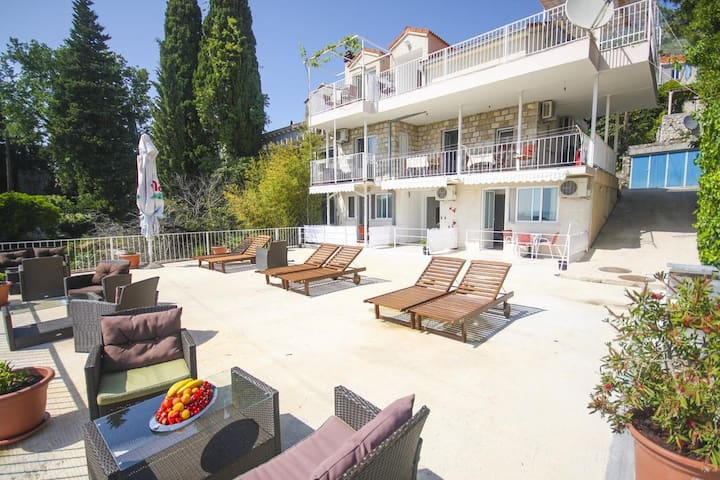 Studio flat with balcony and sea view Mlini (Dubrovnik) (AS-15380-a)