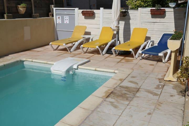 Espectacular apt con acceso piscina