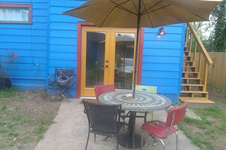 La Pequena Casa Azul - Ground Floor Apartment