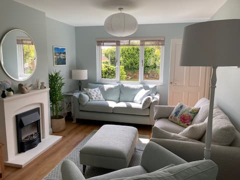 Wonderful four bed house, 3 miles from the  coast