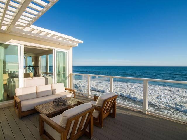 Spectacular Malibu Road 5 Bedroom Beachfront House