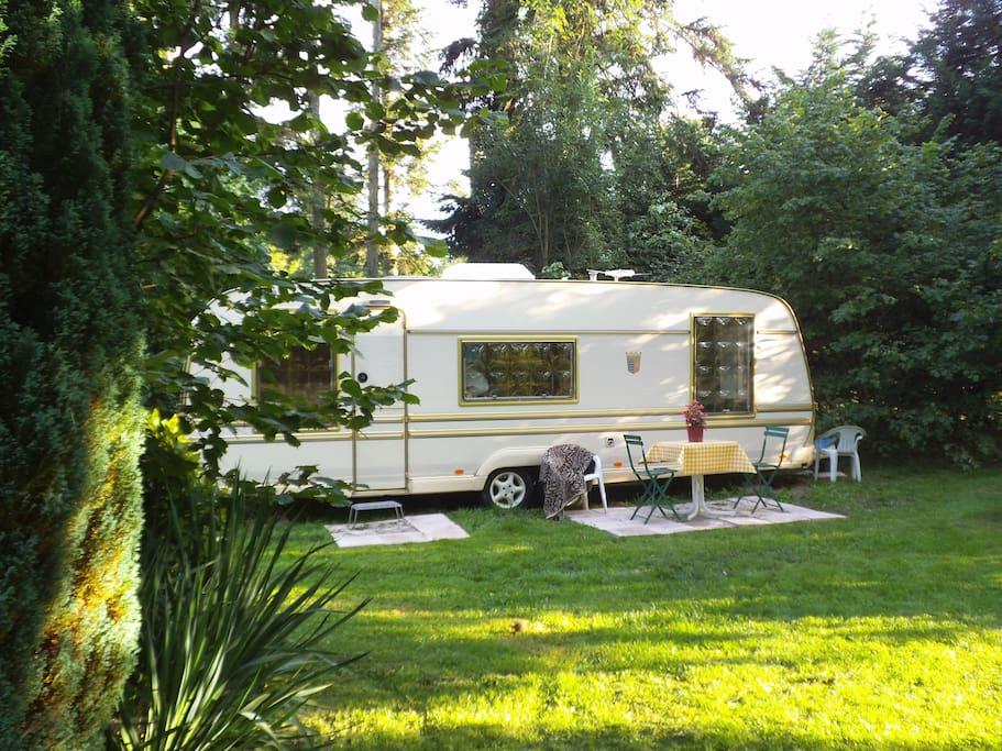 Chambre double dans caravane sur ecolieu campers rvs for for Caravane chambre