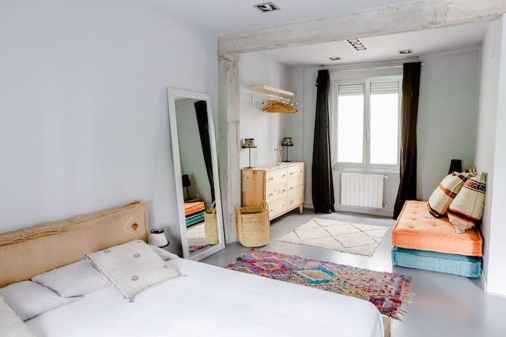 Apartamento totalmente equipado con baño privado