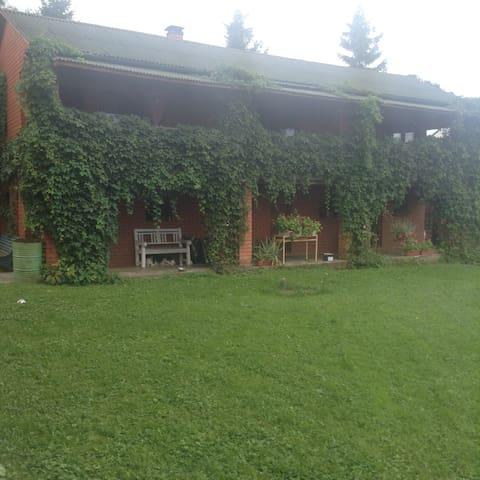 Гостевой дом Кантри и музей как жили предки