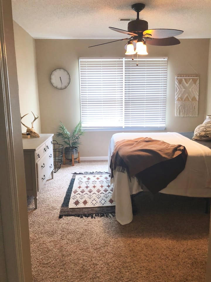 $750/month rotation housing for medical/PA student