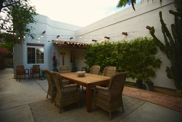 Lovely Santa Fe w/Heated Pool & Spa