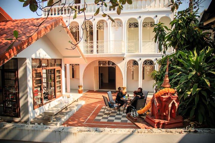 The Innspire Bangkok - Queen size bed - Bangkok - Guesthouse