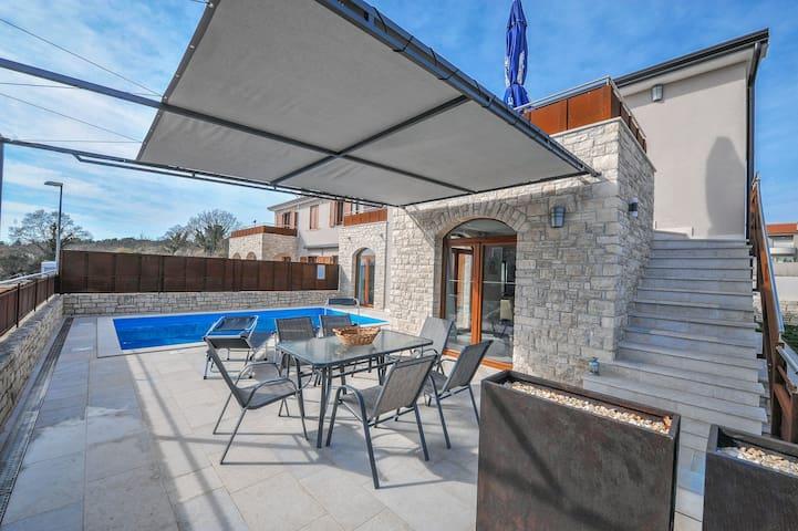 3 bedroom villa in Novigrad