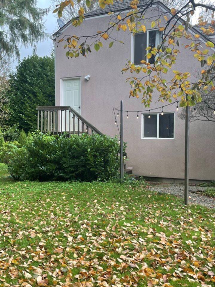 Skagit Valley heartland garden apartment