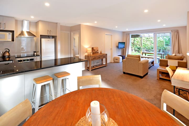 A home away from home in Castor Bay - Auckland - House