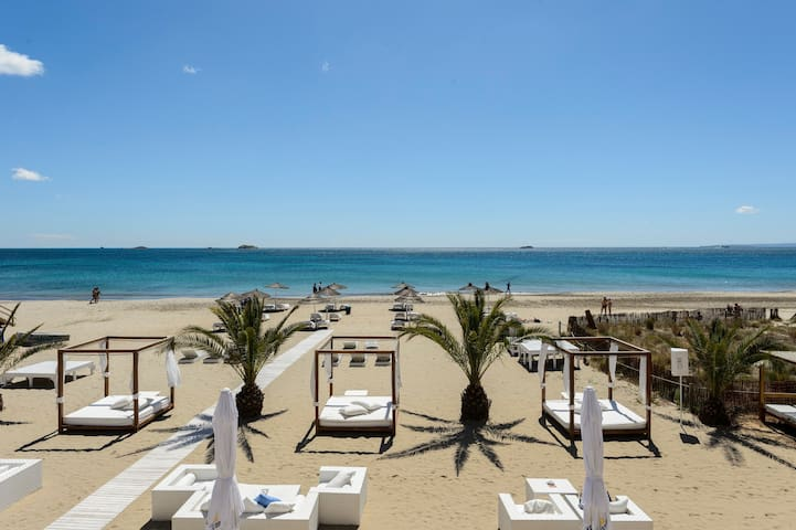 Platja de`n Bossa Sea view Apartment