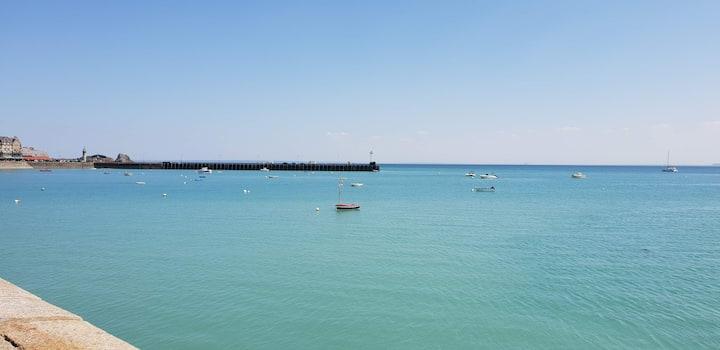 Maison de Pêcheur face à la mer